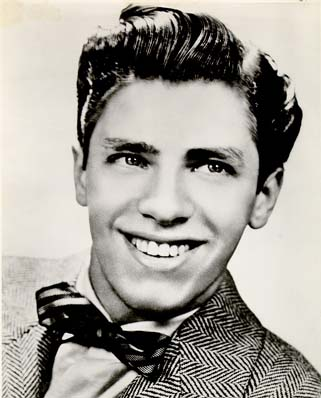 A picture of Jerry Lewis, circa 1941, from jerrylewiscomedy.com, Click for a larger version.